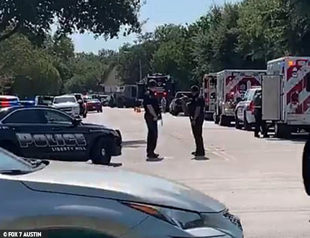Multiple Officers Shot in Texas Stand Off, Gunman Barricaded Inside Home